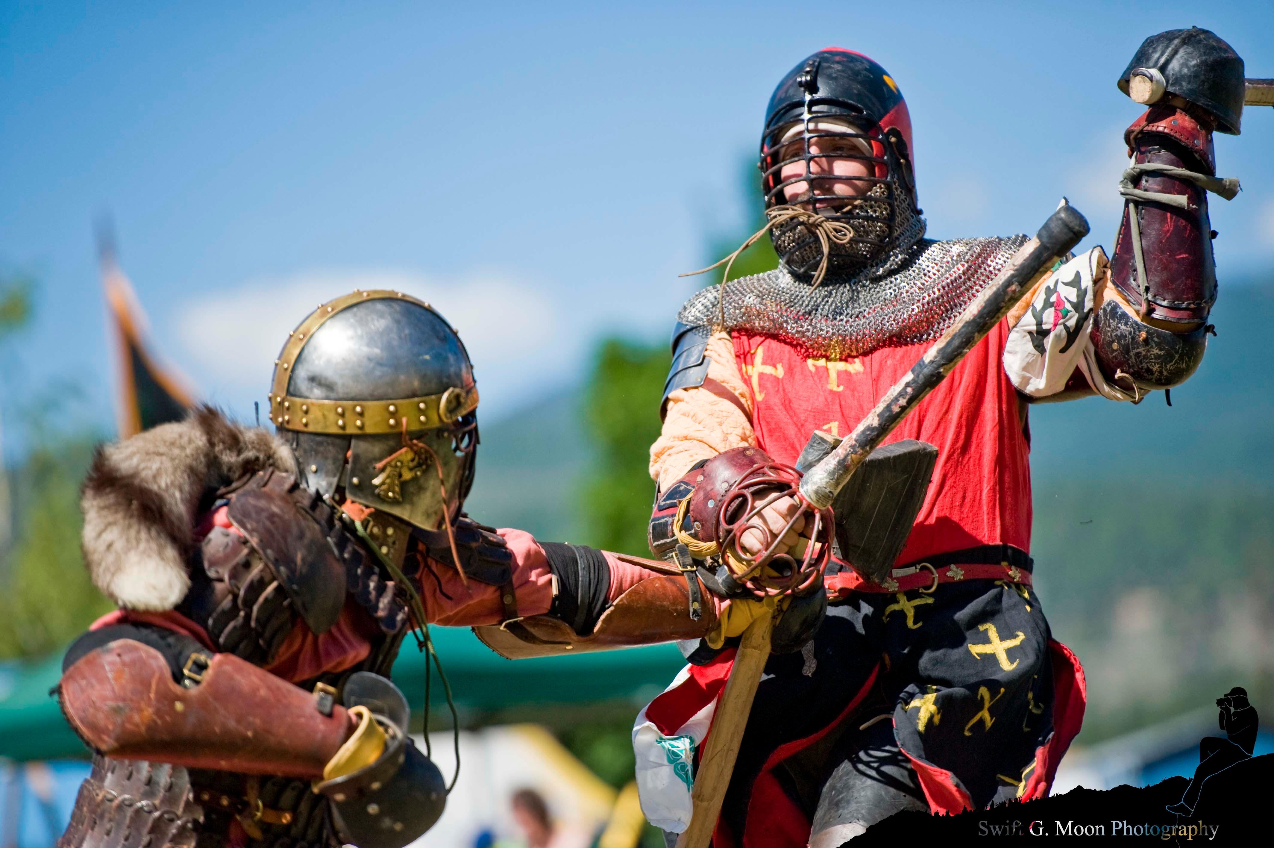 sca_west_kingdom_june_crown_by_swiftgmoon-d577ic4 fighting